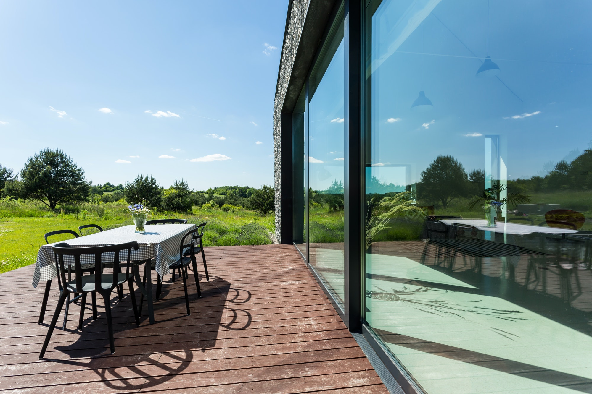 Eco-friendly modern rural house